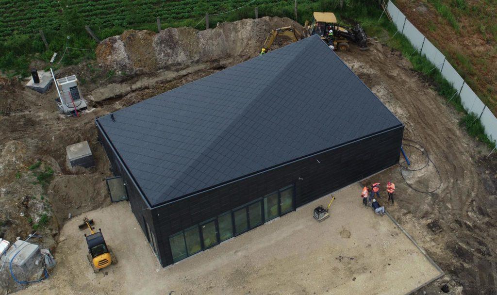 Koszt pokrycia dachu blachą na rąbek stojący.